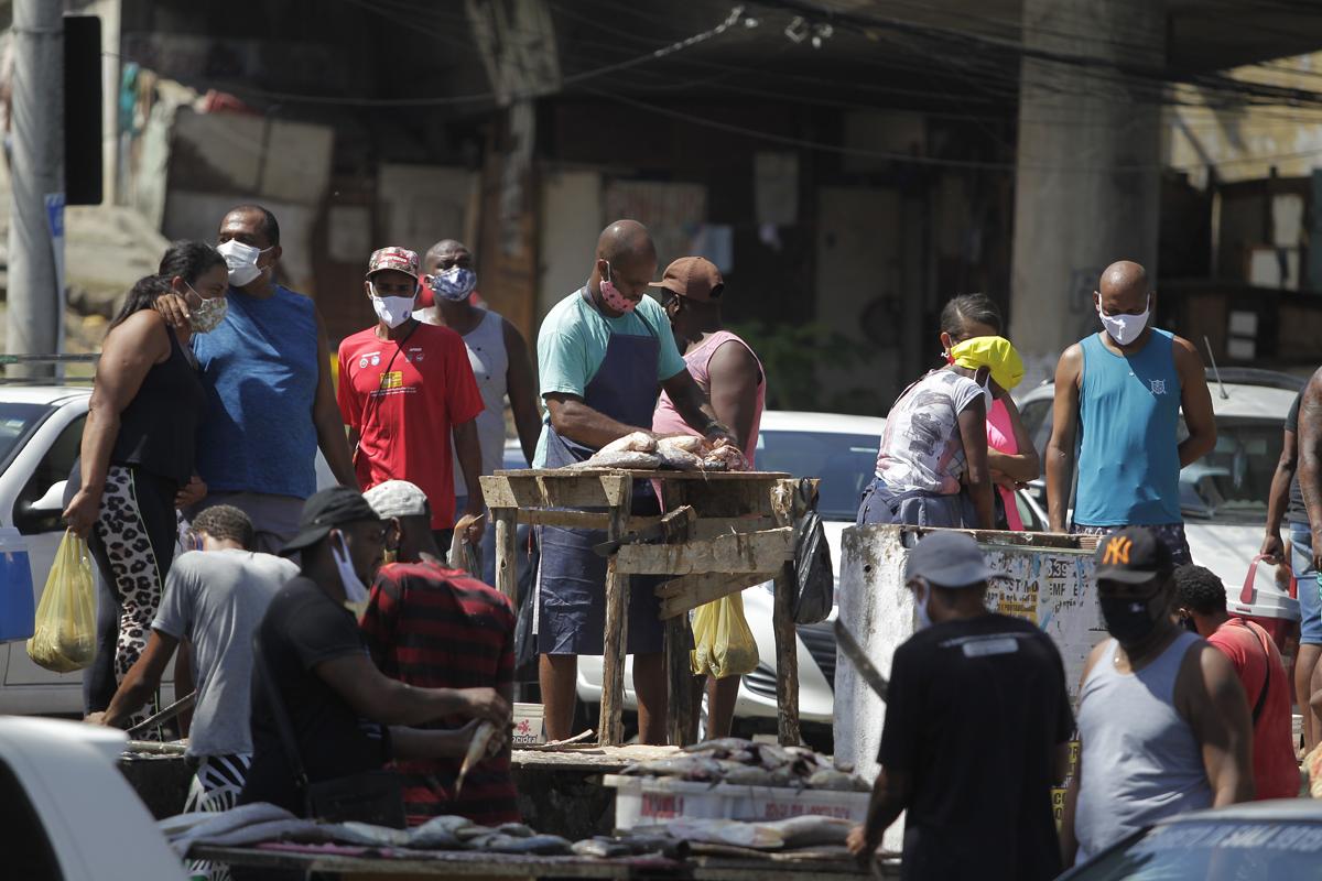 No Mercado do Peixe, em Águas de Meninos, a movimentação de clientes também foi intensa.