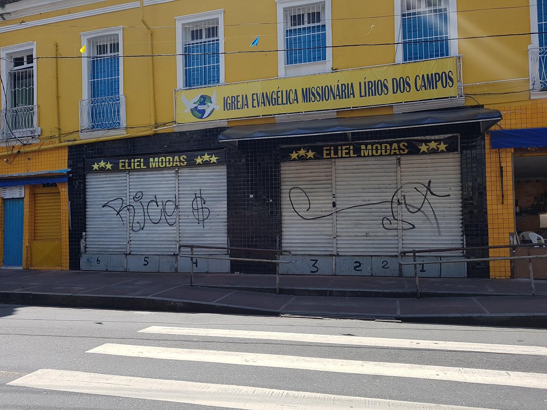Lojas da Barroquinha fecharam durante protesto; ônibus não circularam